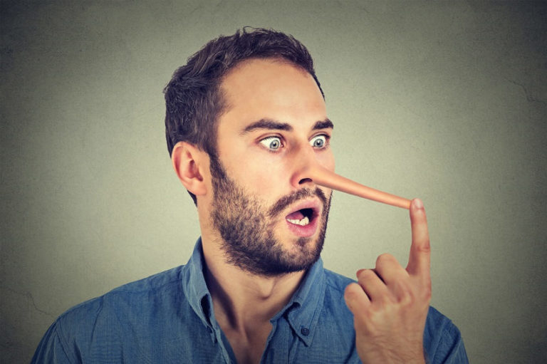 7 Most Common Body Language Signs of Lying