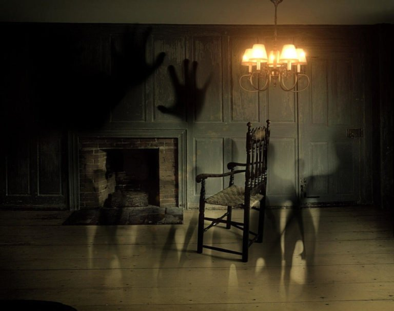 Scientists Trick Volunteers Into Believing There Is a Ghost in the Room