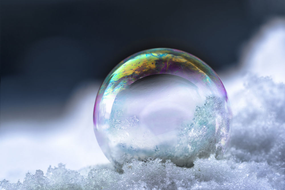 winter experiments ice bubble
