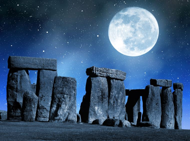 5 Intriguing Theories That Explain the Mystery of Stonehenge