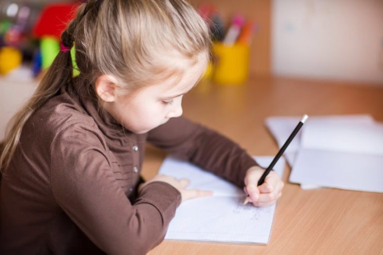 4 Surprising Facts You Didn't Know about Left-Handed People