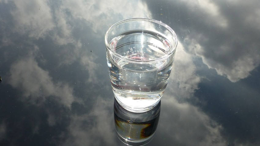 glass of water manifestation technique
