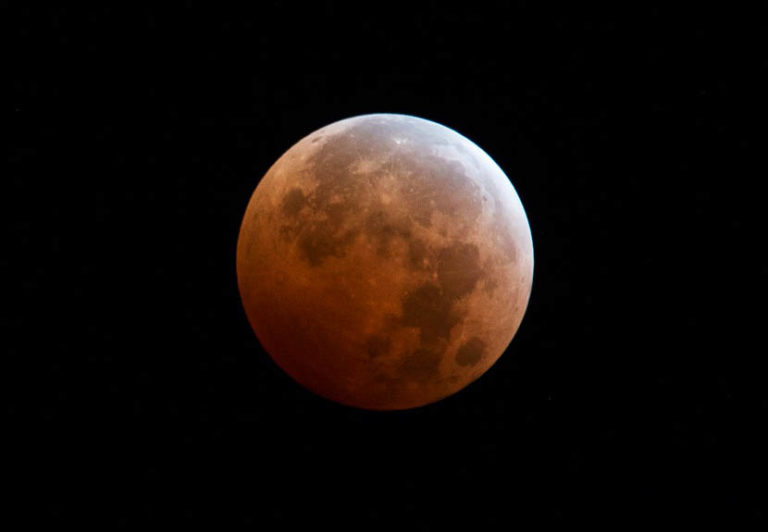 Blood Moon Eclipse on April 15 and the Tetrad Phenomenon