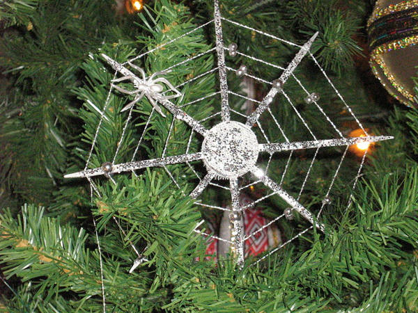 Christmas traditions spider ornaments ukraine