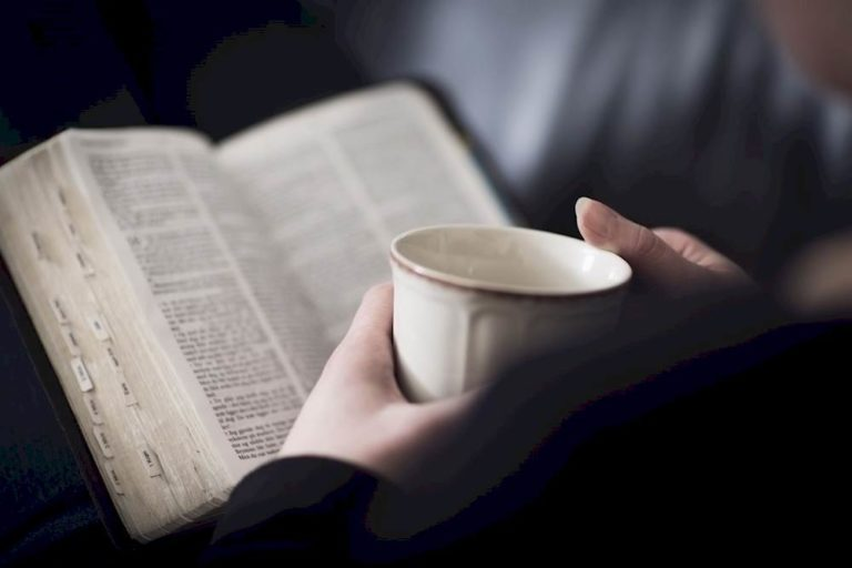 Light Reading VS Deep Reading: What You Read Matters More Than You Realize