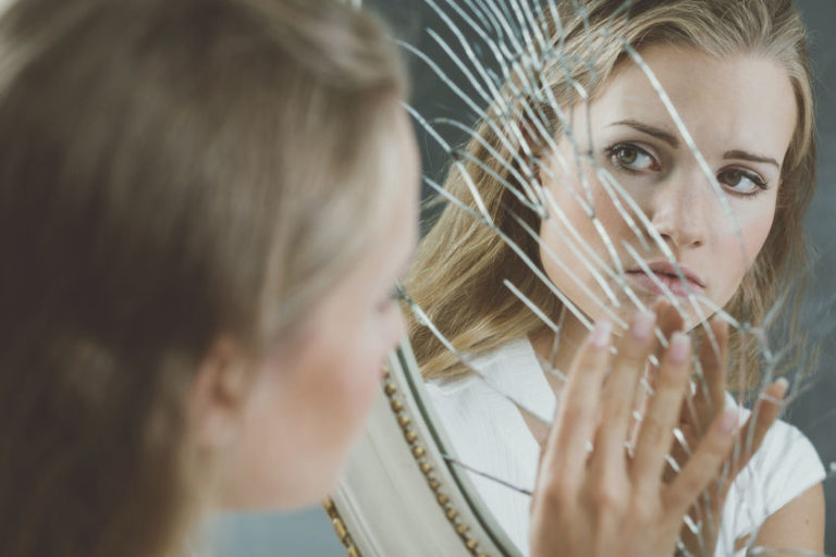 Self-Criticism Seems Natural, but It's Not – How to Recognize and Stop This Bad Habit