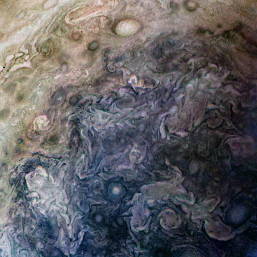 Haunting Pictures of Jupiter, Like You've Never Seen Before!