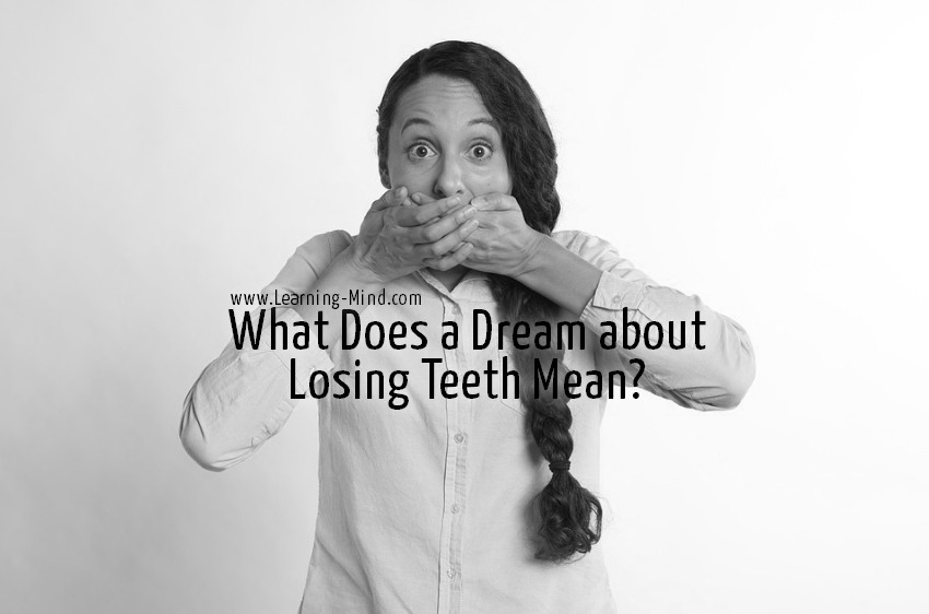 dream about losing teeth meaning