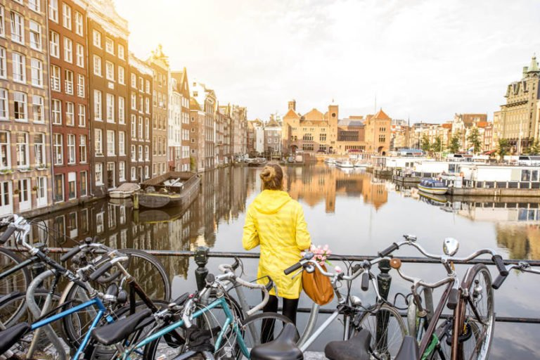 Niksen: How the Dutch Fight Stress and Handle a Hectic Lifestyle