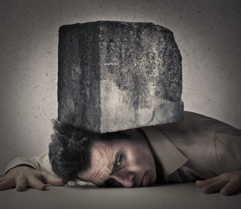 Gray Rock Method: How to Disarm Narcissists & Toxic People