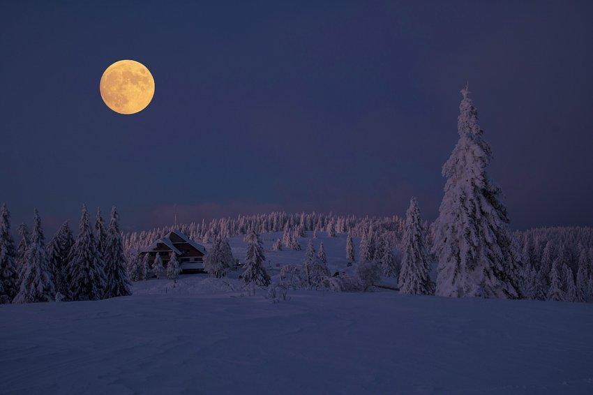 super Snow Moon february 9