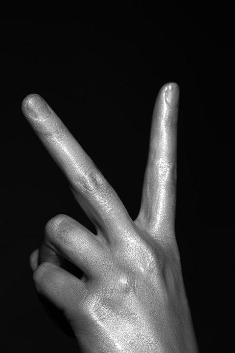 v hand gesture